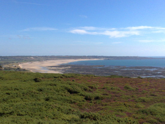 ‪جيرسي, UK: View from near the Model Aircraft Runway over St Ouen's Bay‬