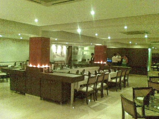 Hotel Aroma Executive: Great for lunch or dinner