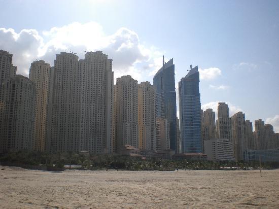 Grosvenor House Dubai: Beach and more tall buildings
