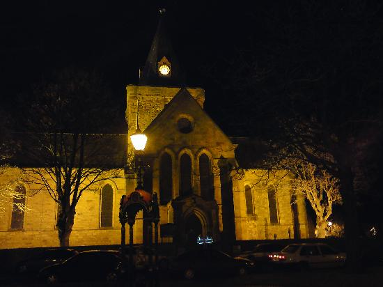 The Eagle Hotel: Dornoch Cathedral (Madonna married here).