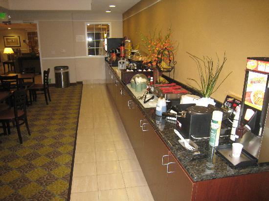 La Quinta Inn & Suites Fresno Riverpark: Breakfast room at La Quinta Fresno