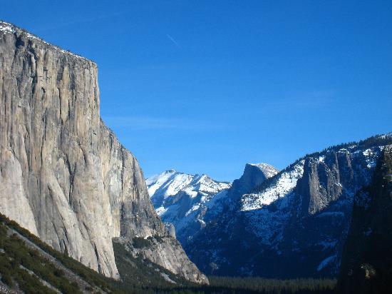 La Quinta Inn & Suites Fresno Riverpark: Yosemite Valley in Winter - not too far from Fresno