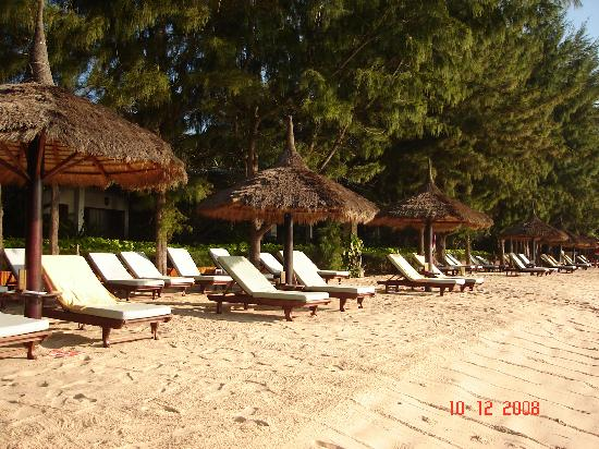 Beach at Cham Villas
