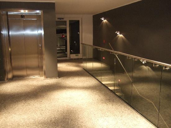 SkiResort Hotel Omnia: hallways