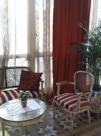 Hostal L' Antic Espai: the balcony