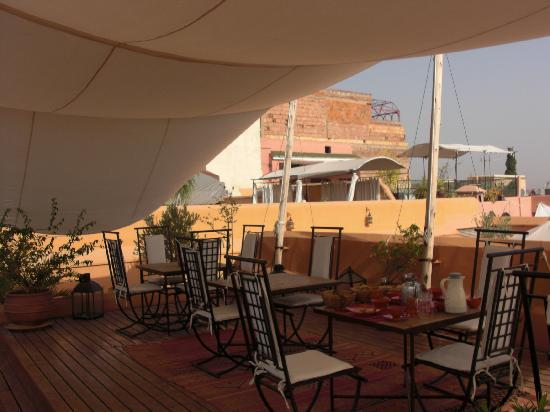 Riad Mabrouka Marrakech: Rooftop Breakfast Area
