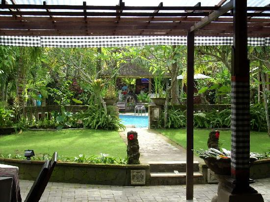 Saren Indah Hotel: The welcoming view