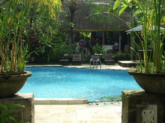 Saren Indah Hotel: A view of the pool