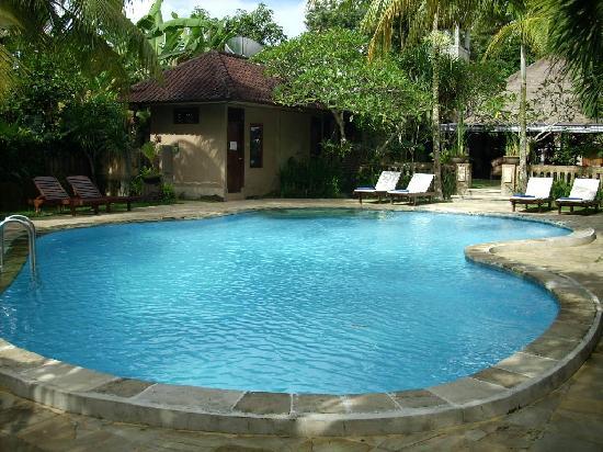 Saren Indah Hotel : A view of the pool