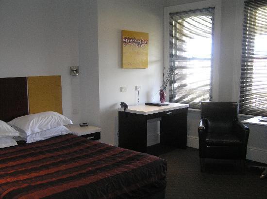 Auldington: Room
