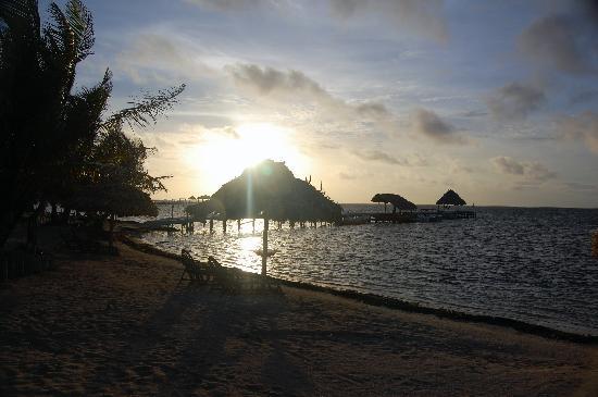 Capricorn Resort: Sunrise at the resort