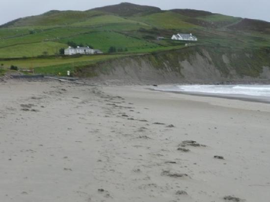 Cuaneen House: The beach in Louisburgh