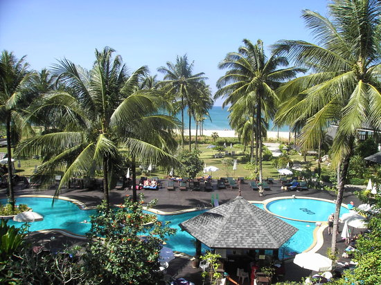 Khaolak Orchid Beach Resort: Pool area view