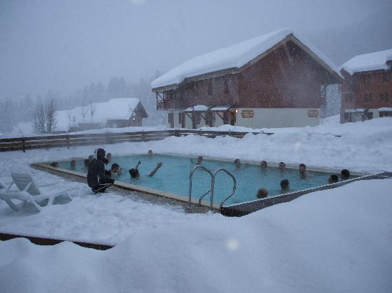 piscine chauffée a coté du sauna