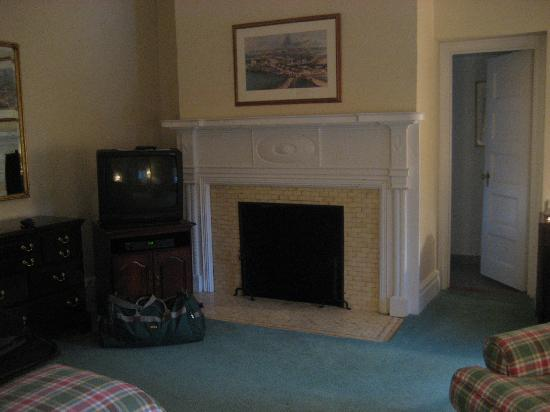 The Cooper Inn: fireplace