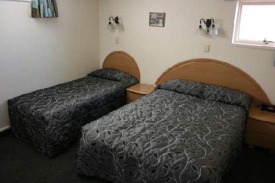 Pacific Harbour Motor Inn: Bedroom
