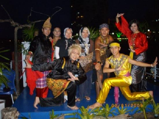 Hotel Grand Continental Kuching: River Cruise