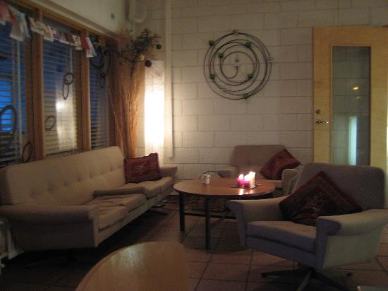Reykjavik City Hostel: One of the sitting areas around reception
