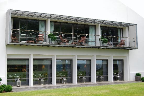 L'Auberge Basque : Façade contemporaine
