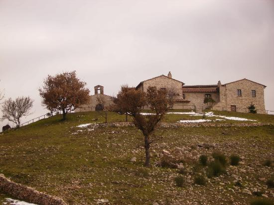 Il Romitorio di Monte Tezio : the Romitorio from a distance; nice place but disappointing service!