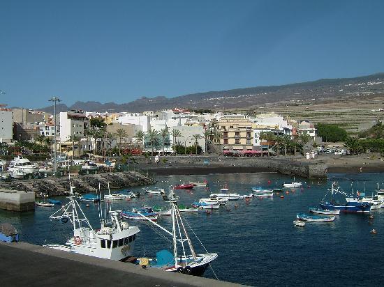 Playa San Juan: across the harbour