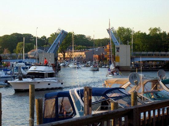 Drawbridge and Harbor - Picture of South Haven, Van Buren