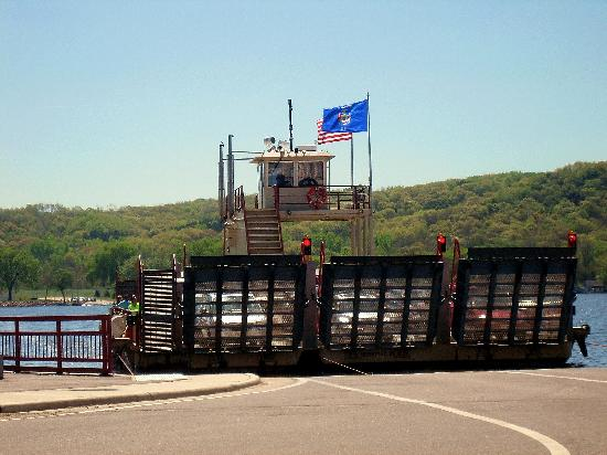 Μέριμακ, Ουισκόνσιν: Merrimac Ferry Over the Wisconsin River