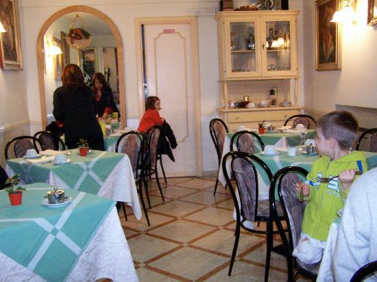 هوتل سافويا: Breakfast room