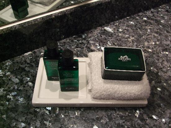 Sofitel London Heathrow: Hermes products