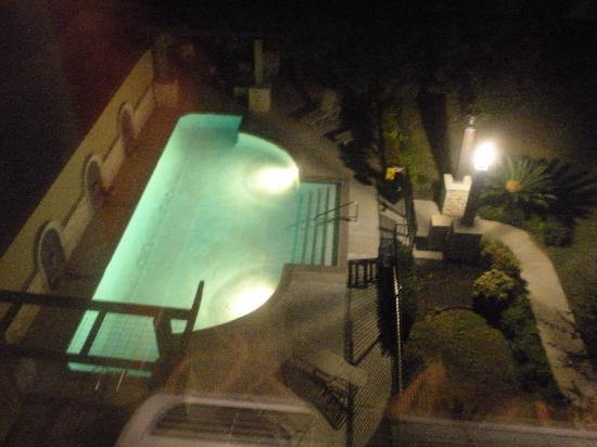 DoubleTree by Hilton Hotel Austin - University Area : Pool Viewed From Room
