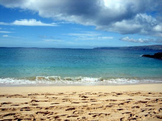 Makena Beach: Footprints in the Sand