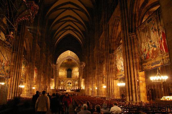 Best Western Hotel De L'Europe: Strasbourg cathedral is unreal