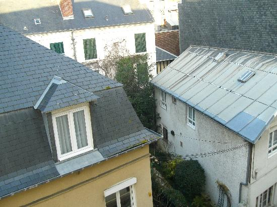 Hotel Mercure Trouville Sur Mer : View direcly outside our window