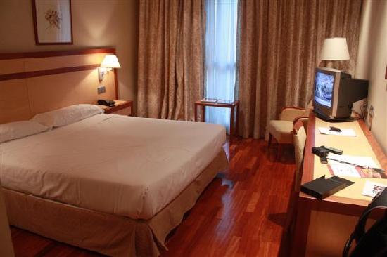 ILUNION Alcala Norte: Room view 1