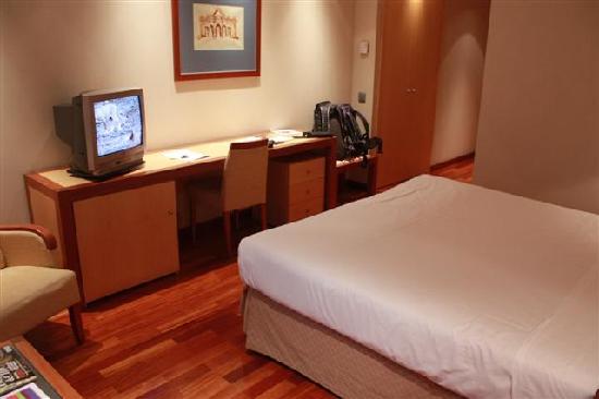 ILUNION Alcala Norte: Room view 2