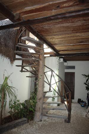 Lo Nuestro Petite Hotel: corte interna...giardino