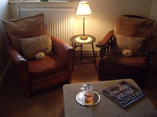 Ivydene House: Sitting area