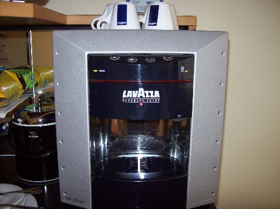 Swissotel Zurich: In room espresso machine