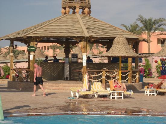 Park Inn by Radisson Sharm El Sheikh Resort: Waterfall Bar