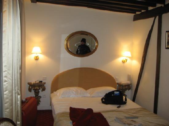 Hotel Louis 2: il letto