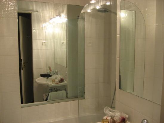 Hotel Louis 2: il bagno