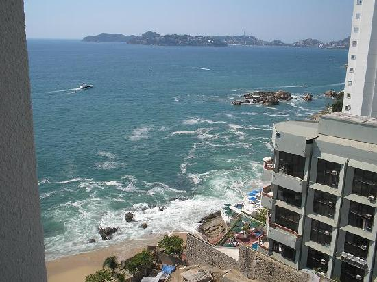Holiday Inn Resort Acapulco: View from room on right side of hotel