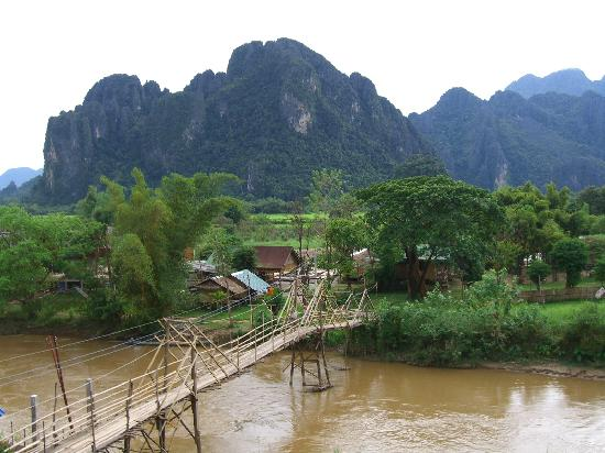Vang Vieng Orchid Guesthouse: 部屋からの眺め