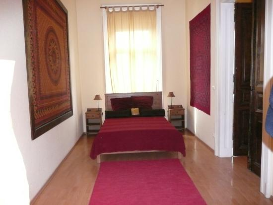 Mandragora Doubles: Bedroom