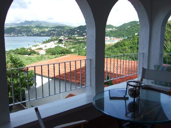 Mount Cinnamon Resort & Beach Club : Lunch on the balcony