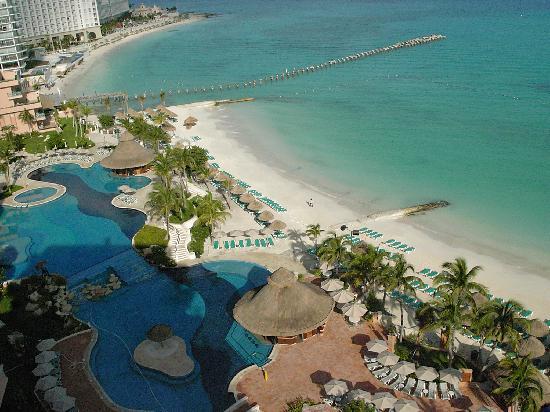 Grand Fiesta Americana Coral Beach Cancun: ホテルのプール