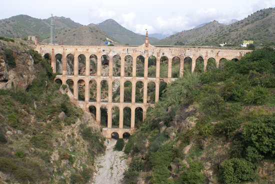 Nerja, Spania: The Aguilla Aquaduct (Maro)