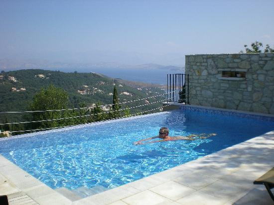 Villa Drossia: Nice Pool