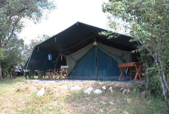 Entim Camp: South 2 のテント