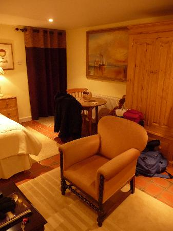 Bretton Cottage: A bit more of the room